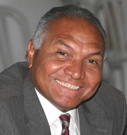 Periodista Santiago Martínez
