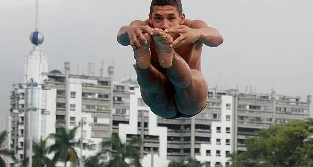 Antioqueño Alejandro Arias, campeón del mundo de clavados
