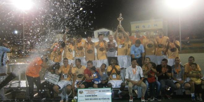 Clamasán Carnes se coronó campeón del Vacacional de Envigado 2015