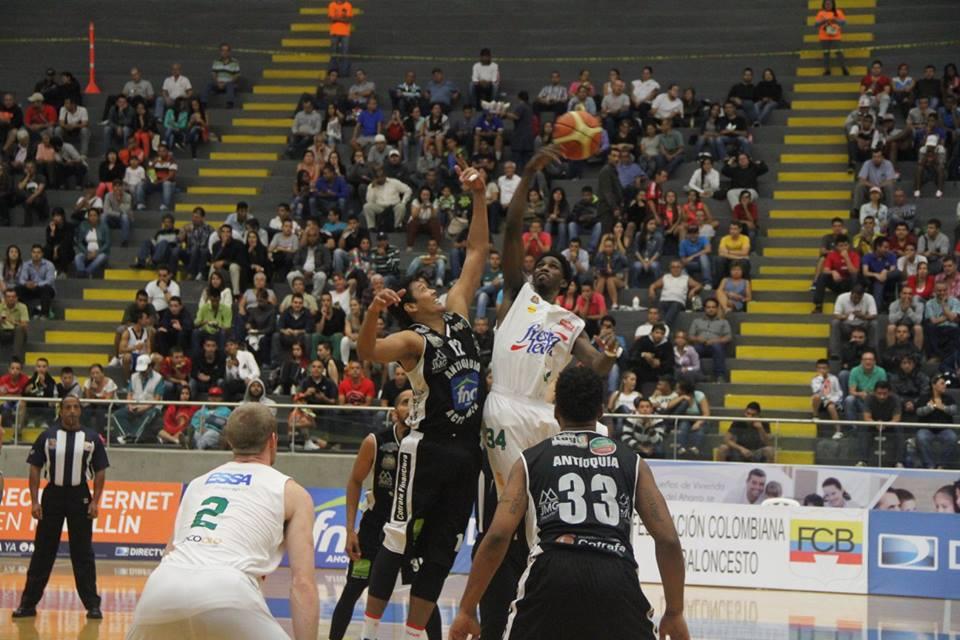 Academia de la Montaña en Liga Directv de baloncesto