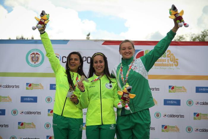 Campeones de Juegos Nacionales en Por Medellín en Bicicleta