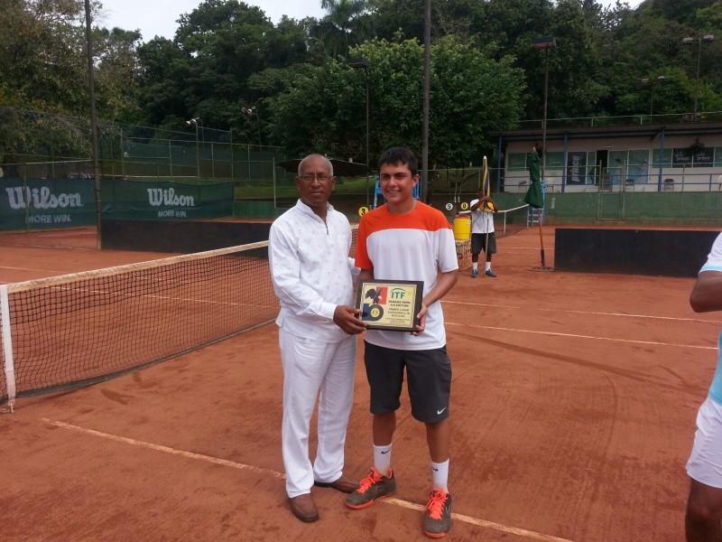 Sergio Hernández, tenista
