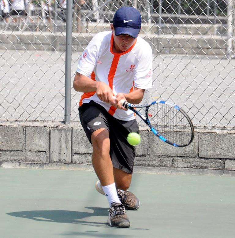 Tenista Sergio Luis Hernández