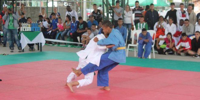 """La Ceja vibró con el Judo en los Juegos """"Supérate"""" Intercolegiados."""