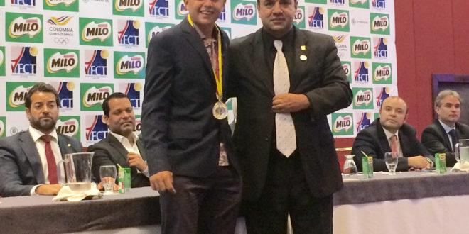 Doble reconocimiento para Sergio Hernández,en Noche de Gala del Tenis Colombiano.
