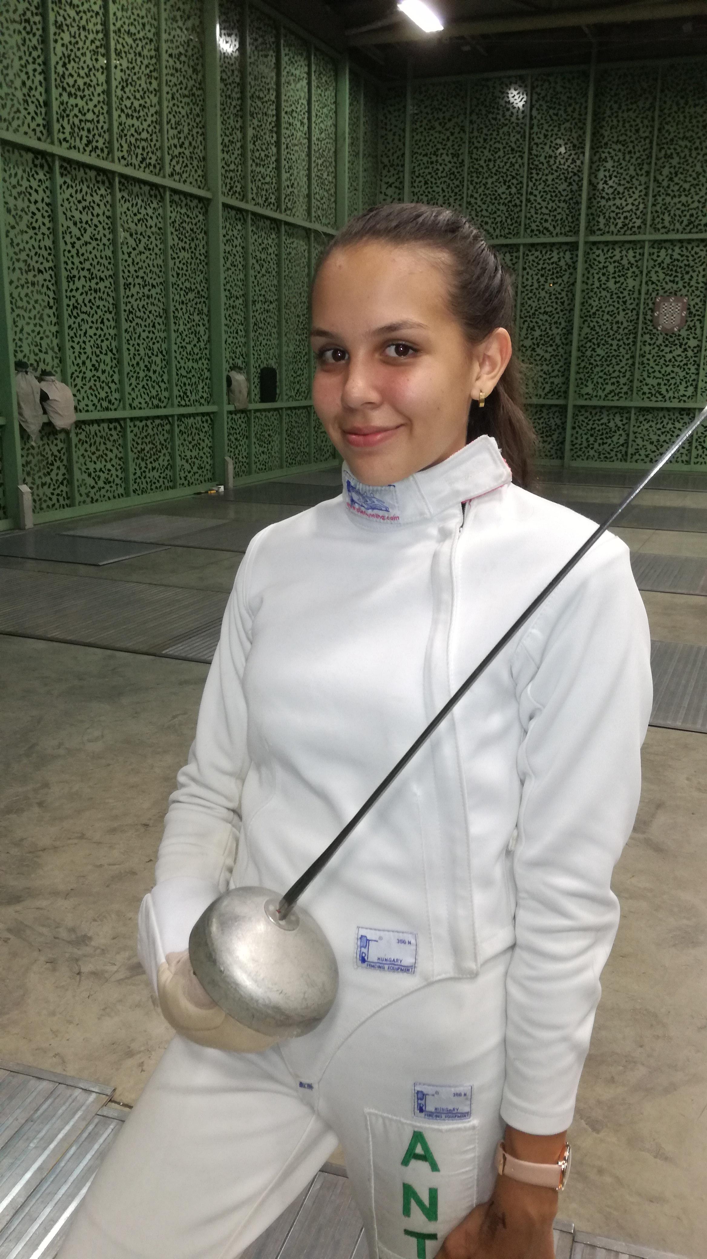 http://www.acordantioquia.com/wp-content/uploads/2018/05/Alejandra-Piedrahita-Gómez-esgrimista-1.jpg